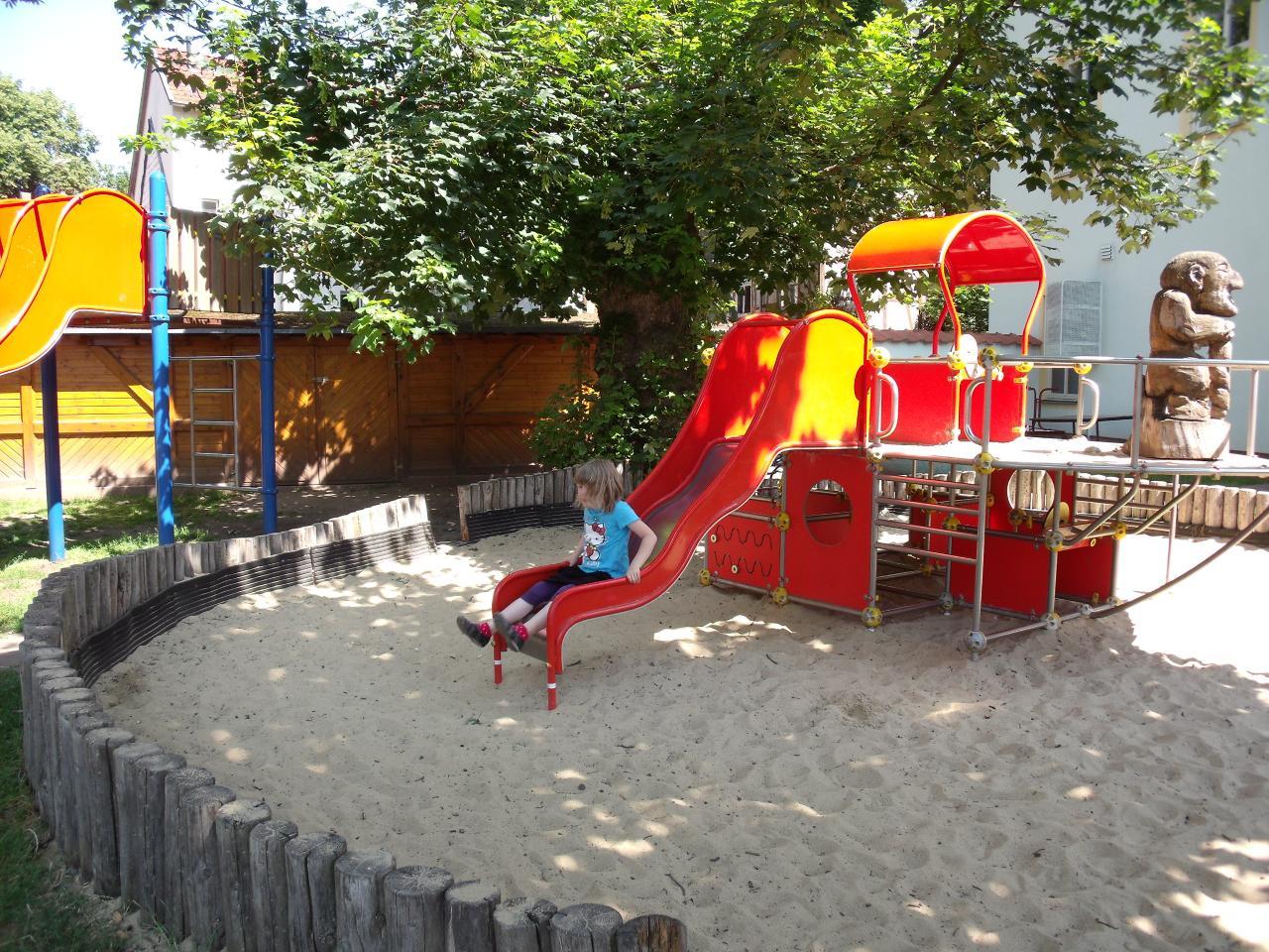 Spielplatz im Puschkingarten_1 (Cindy Michael TI Mühlhausen).jpg